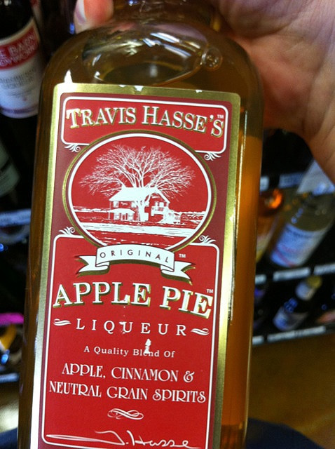 Apple Pie Liquor  Drink Your Pie The Warm Apple Pie Cocktail