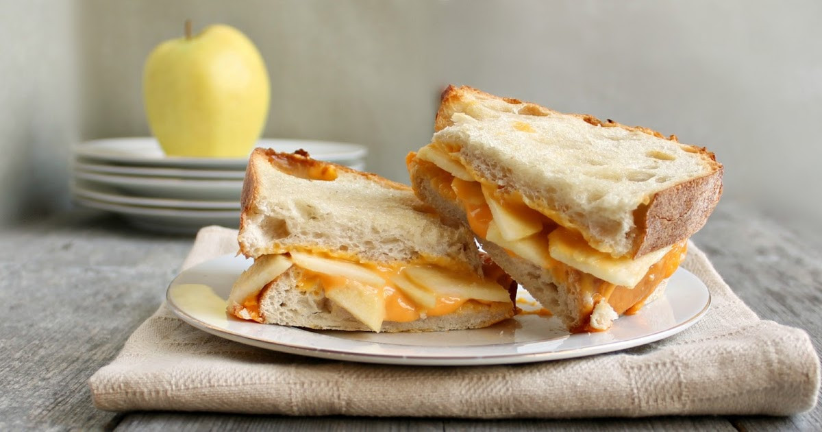 Apple Pie With Cheese  Hungry Couple Cheddar Apple Pie Grilled Cheese