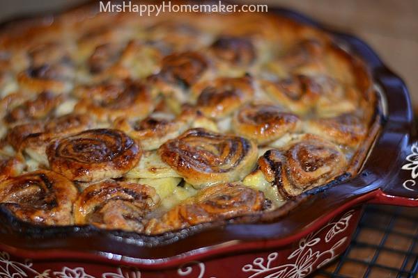 Apple Pie With Cinnamon Roll Crust  Apple Cream Pie with Cinnamon Roll Crust Mrs Happy Homemaker
