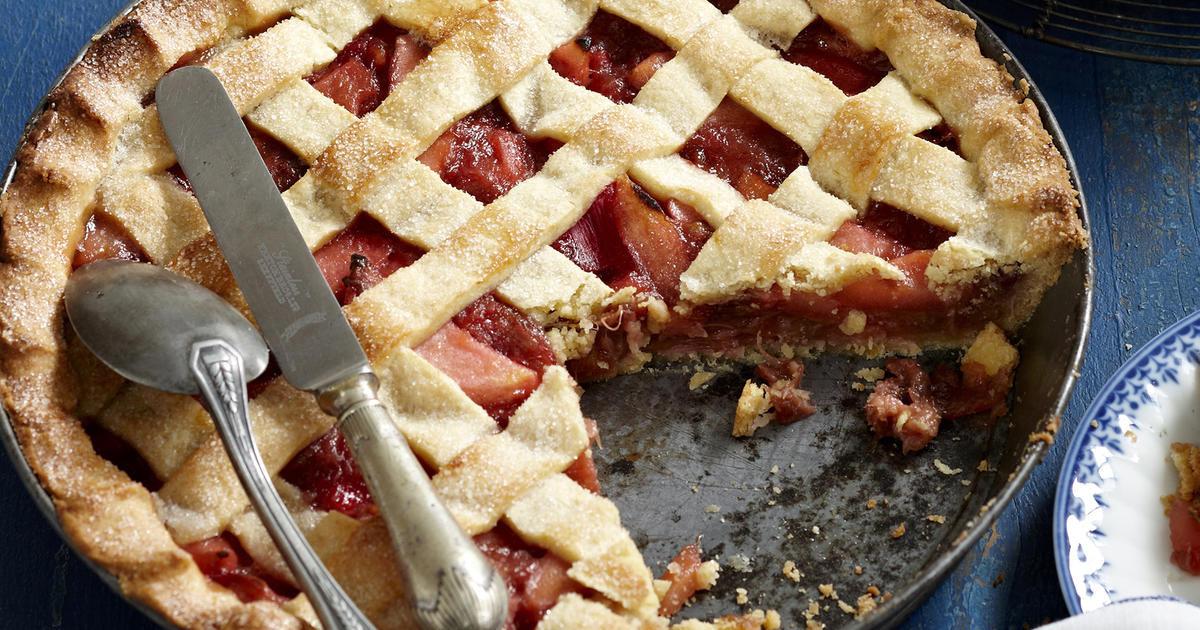 Apple Rhubarb Pie  Apple and Rhubarb Pie