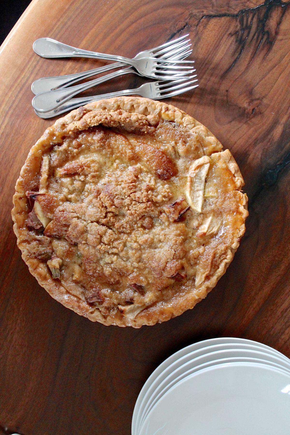 Apple Rhubarb Pie  French Style Apple Rhubarb Pie thekittchen
