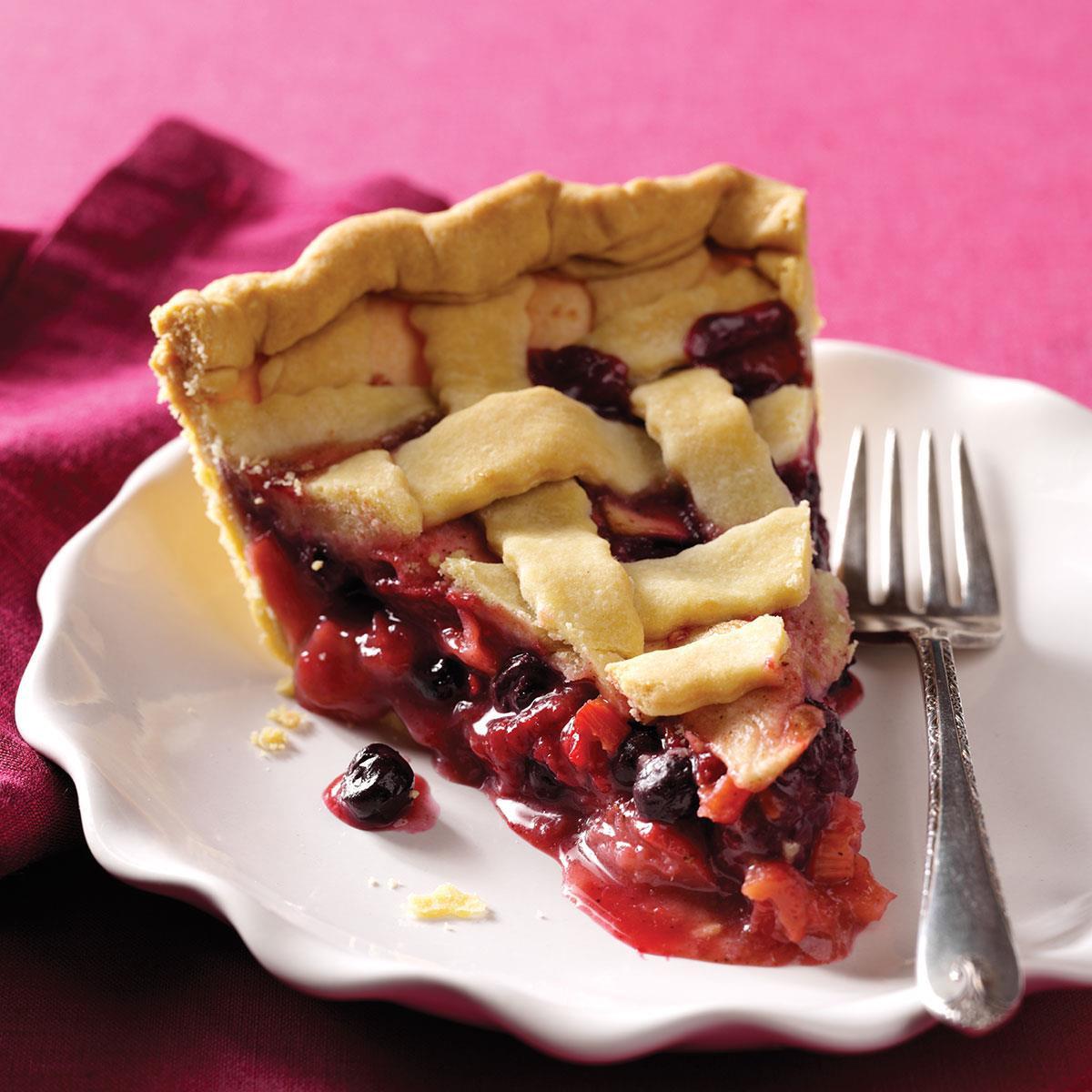 Apple Rhubarb Pie  Berry Apple Rhubarb Pie Recipe