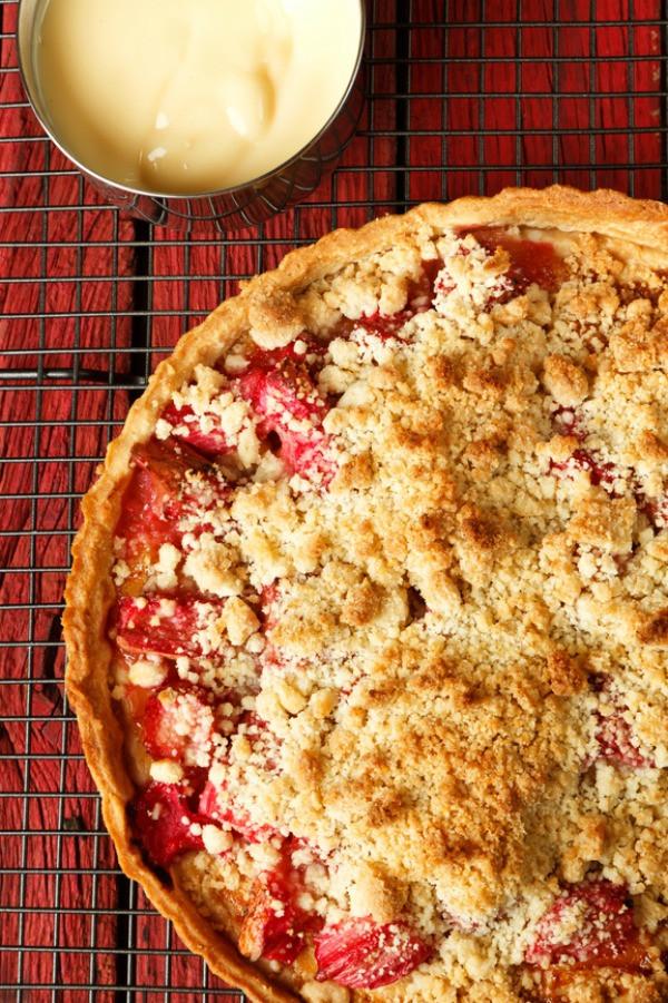 Apple Rhubarb Pie  Rhubarb Apple Pie TGIF This Grandma is Fun
