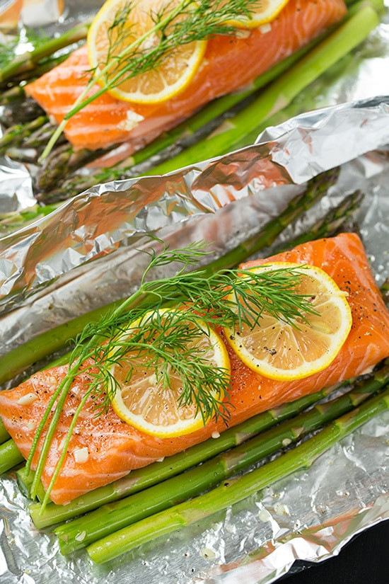 Asparagus And Salmon  Salmon and Asparagus in Foil Cooking Classy