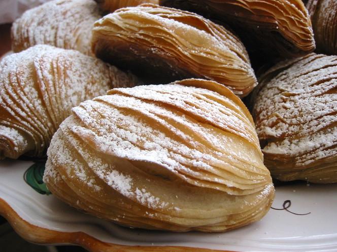 Authentic Italian Desserts  Naples's sfogliatelle