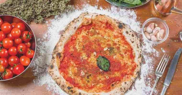 Authentic Italian Pizza Sauce Recipe  authentic italian tomato sauce for pizza