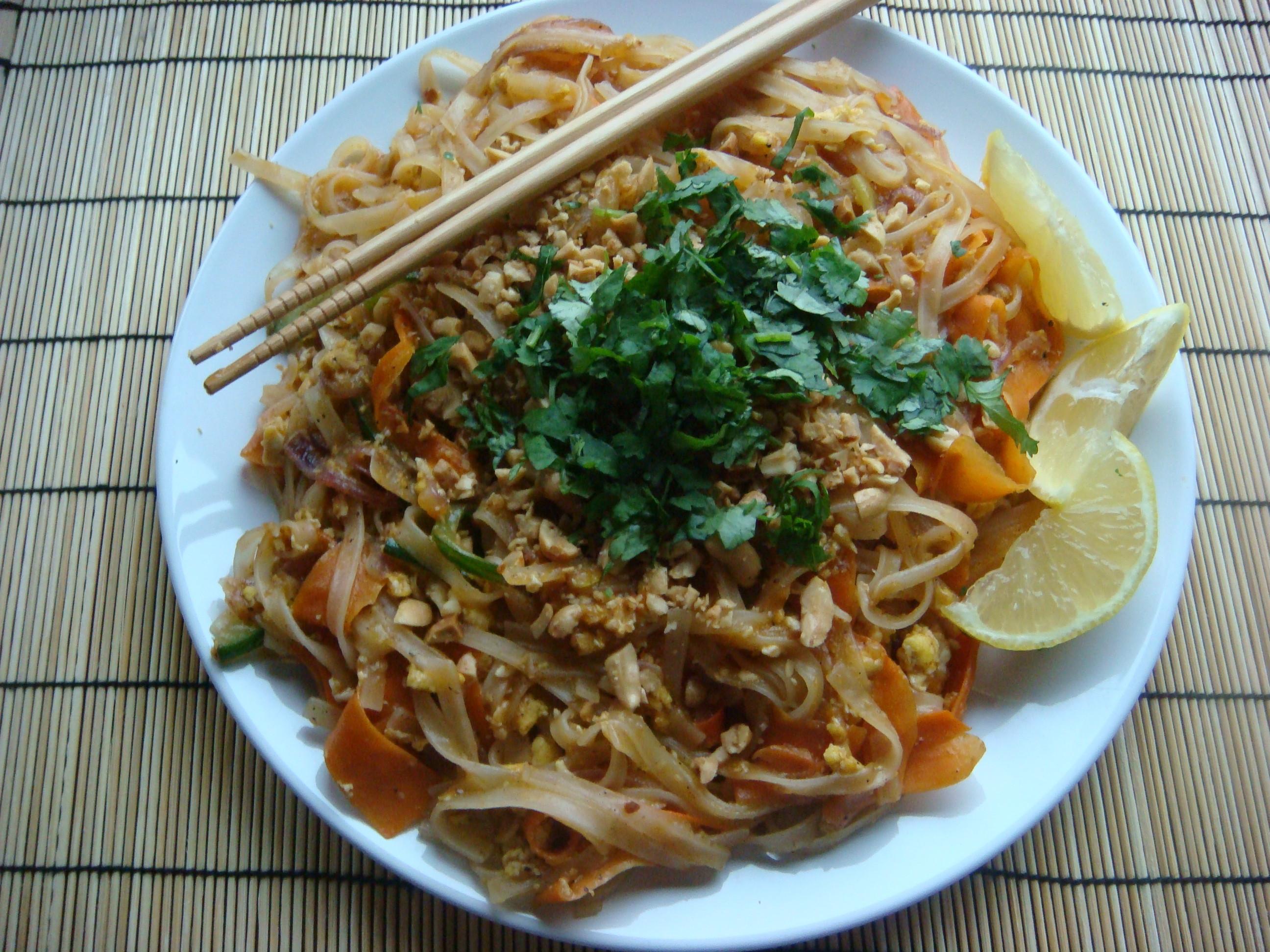 Authentic Thai Recipes  authentic pad thai recipe