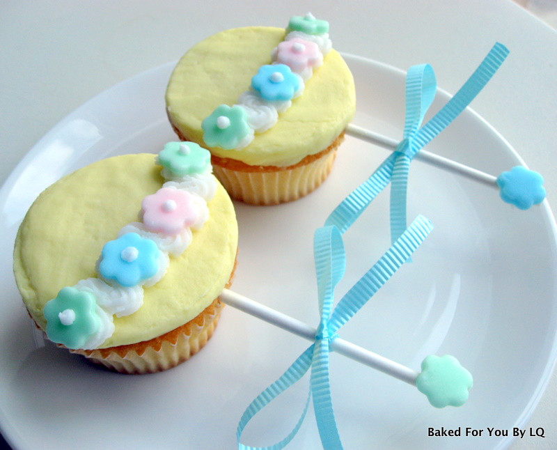 Baby Shower Cupcakes  Baby Shower Rattle Cupcakes