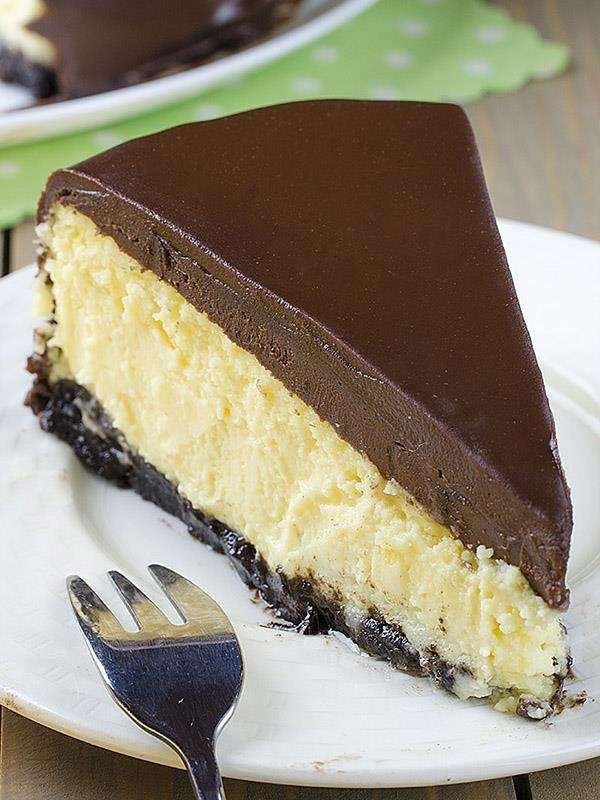 Bailey Irish Cream Dessert Recipes  Bailey's Irish Cream Cheesecake
