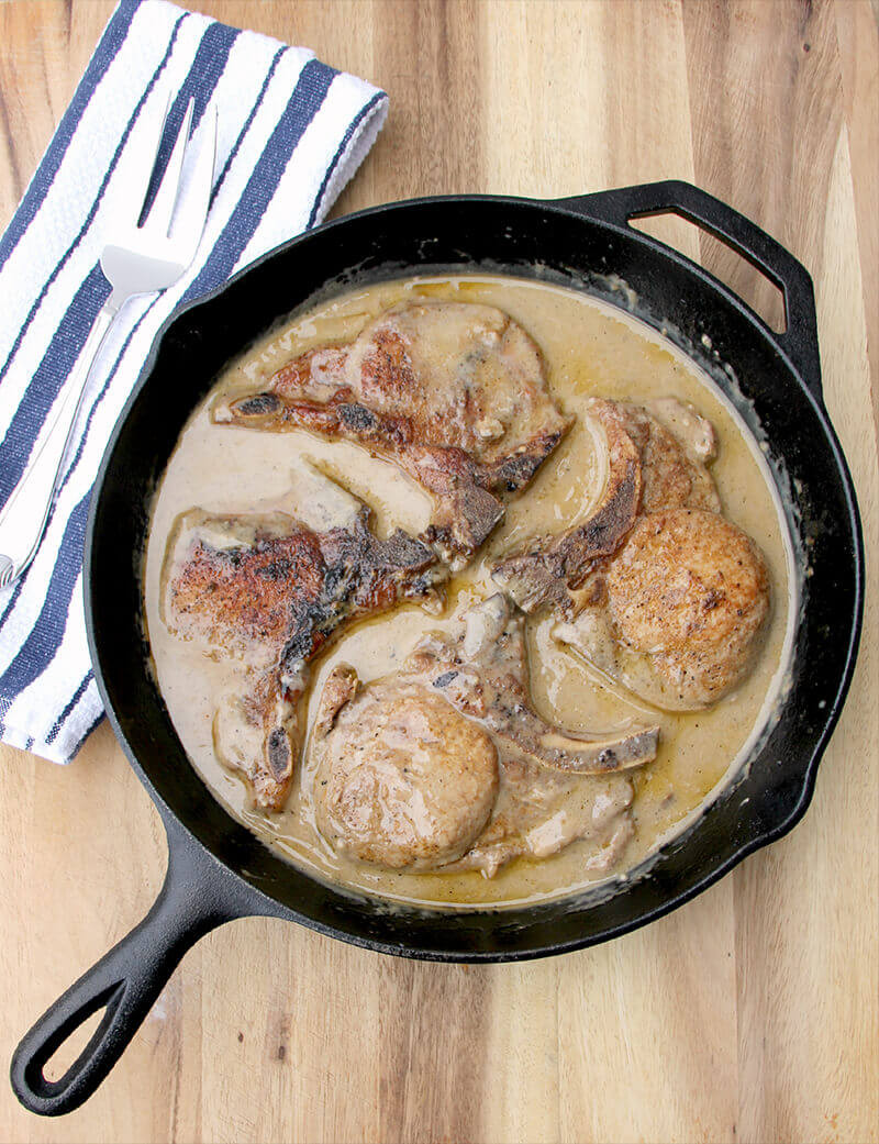 Baked Boneless Pork Chops With Cream Of Mushroom Soup  Baked Pork Chops with Cream of Mushroom Soup
