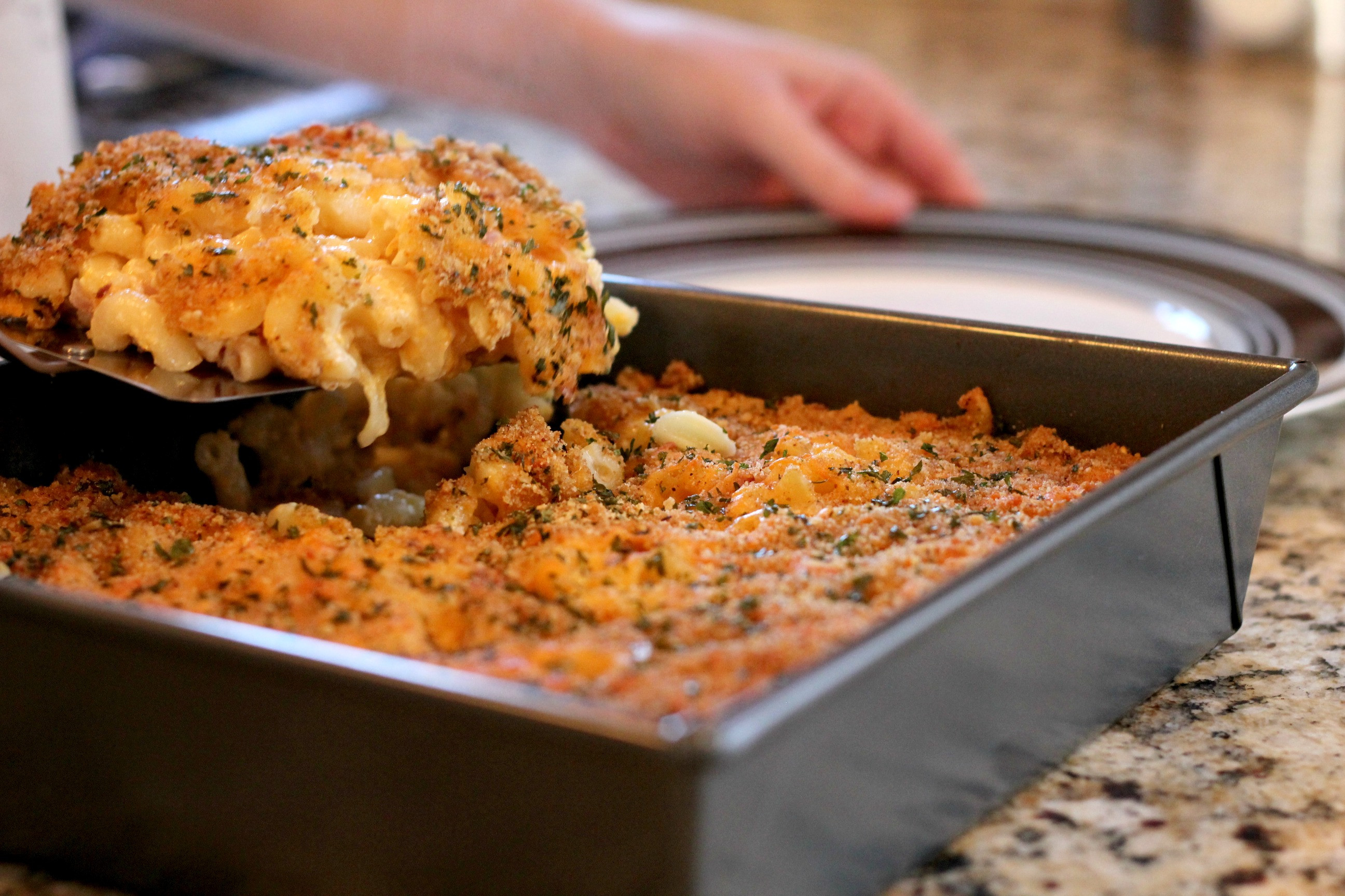 Baked Mac And Cheese Recipes With Bread Crumbs  Baked Mac N Cheese with Breadcrumbs and Red ions