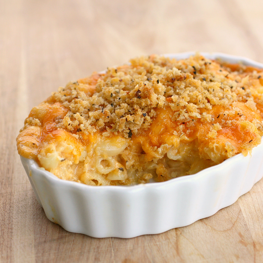 Baked Macaroni And Cheese Recipes With Bread Crumbs  Baked Macaroni and Cheese The Girl Who Ate Everything