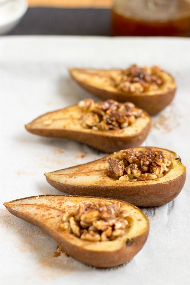 Baked Pear Dessert  Cinnamon Baked Pears 5 25 Min Ve arian Hurry The