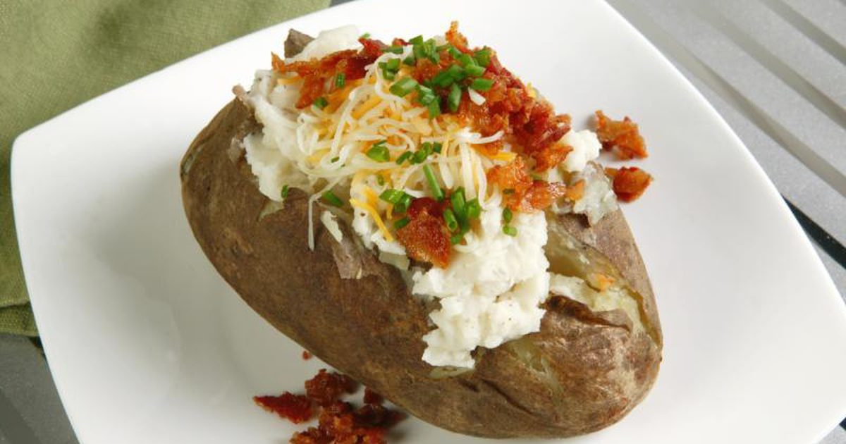 Baked Potato In Toaster Oven  How to Bake a Potato in Tin Foil in a Toaster Oven
