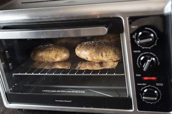 Baked Potato In Toaster Oven  toaster oven