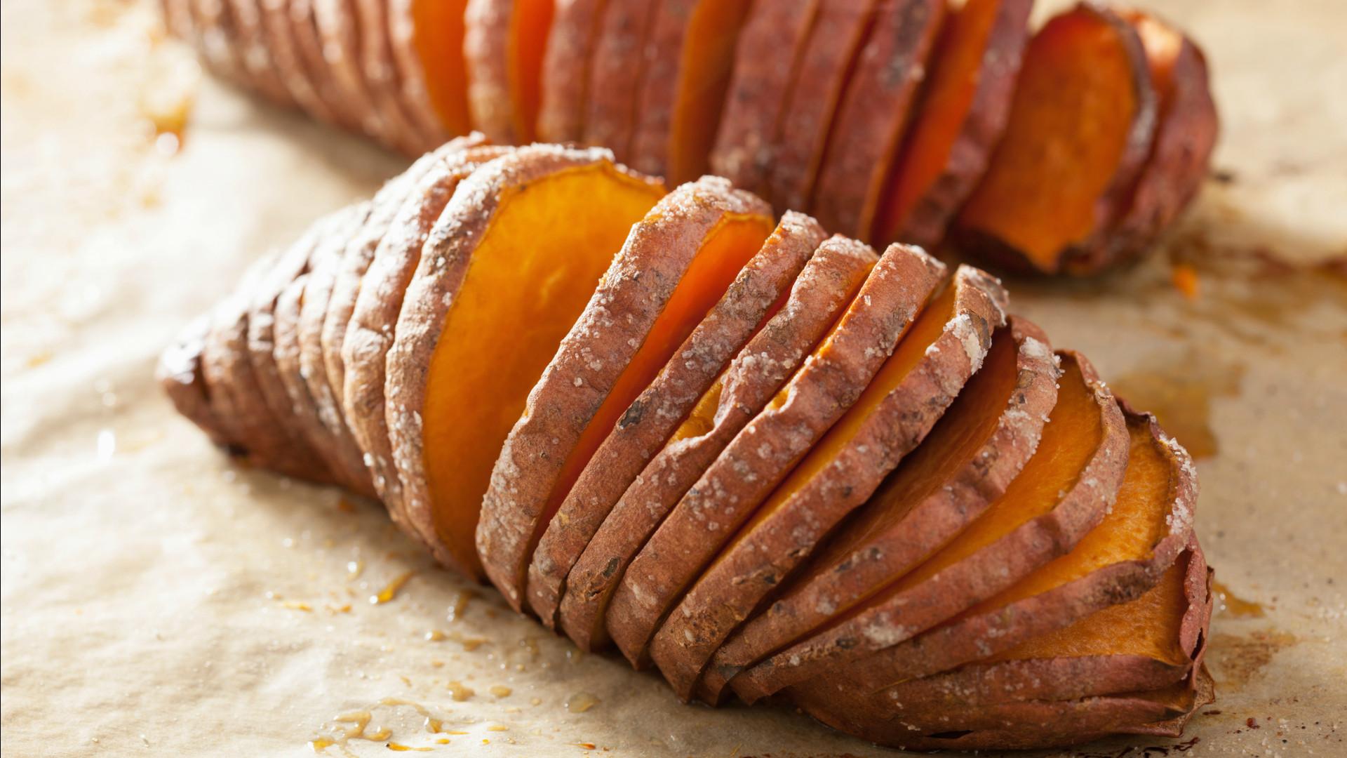 Baked Sweet Potato  Secret ingre nt Baked sweet potatoes are the key to