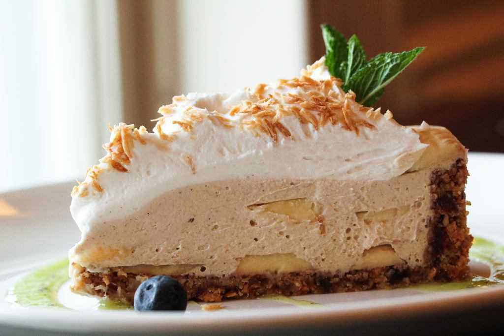 Banana Coconut Cream Pie  Vegan Coconut Banana Cream Pie The Raw and The Cooked
