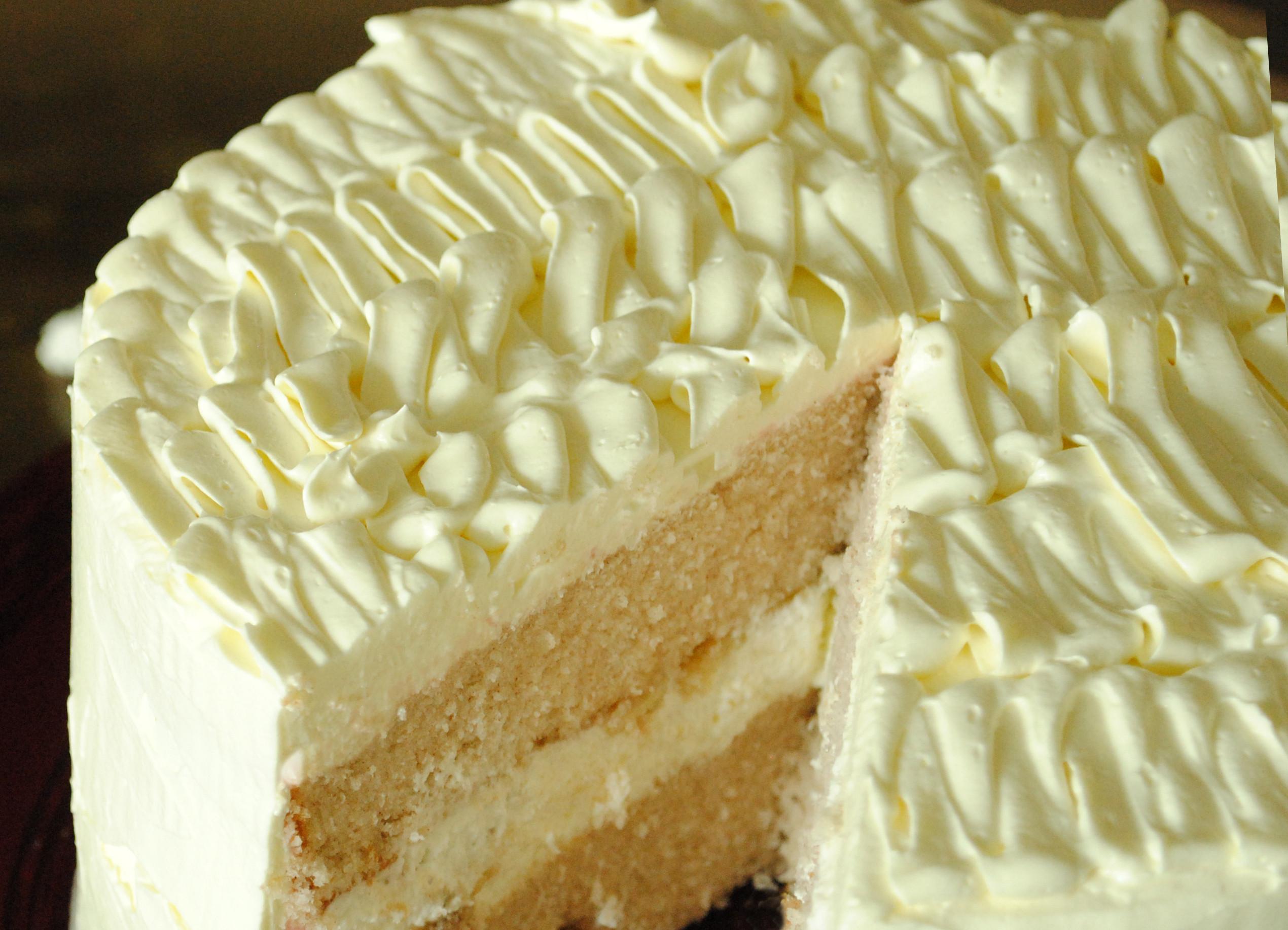 Banana Cream Cake  Banana Cream Cake with Ruffled Vanilla Frosting Garlic Girl