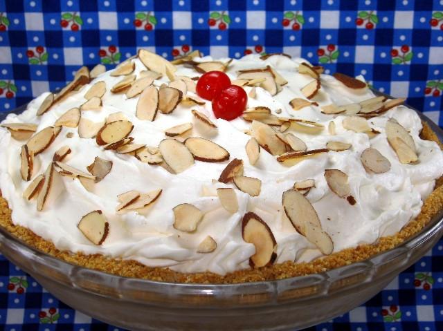 Banana Cream Pie Graham Cracker Crust  Coleen s Recipes CLASSIC BANANA CREAM PIE