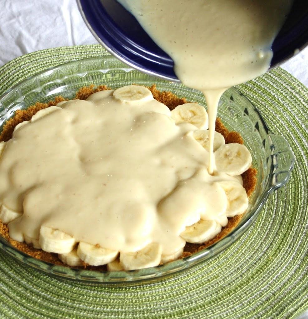 Banana Cream Pie Graham Cracker Crust  Vanilla Infused Banana Cream Pie with a Whole Grain Graham