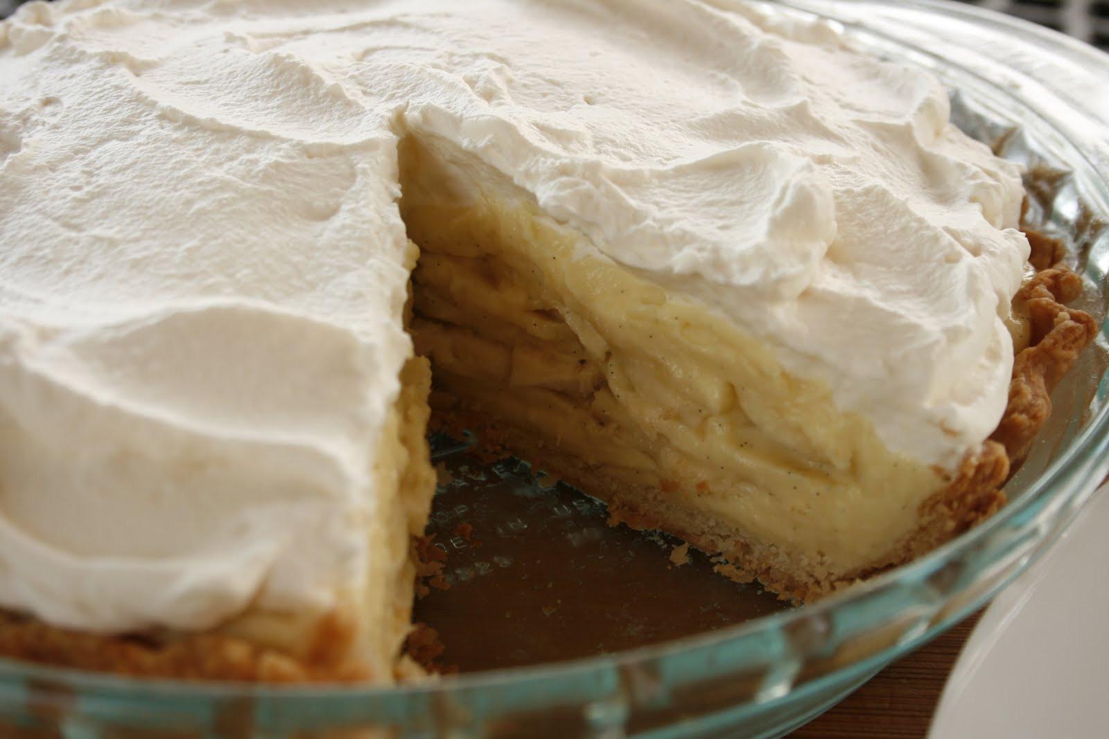 Banana Cream Pie  Laura s Sweet Spot Banana Cream Pie