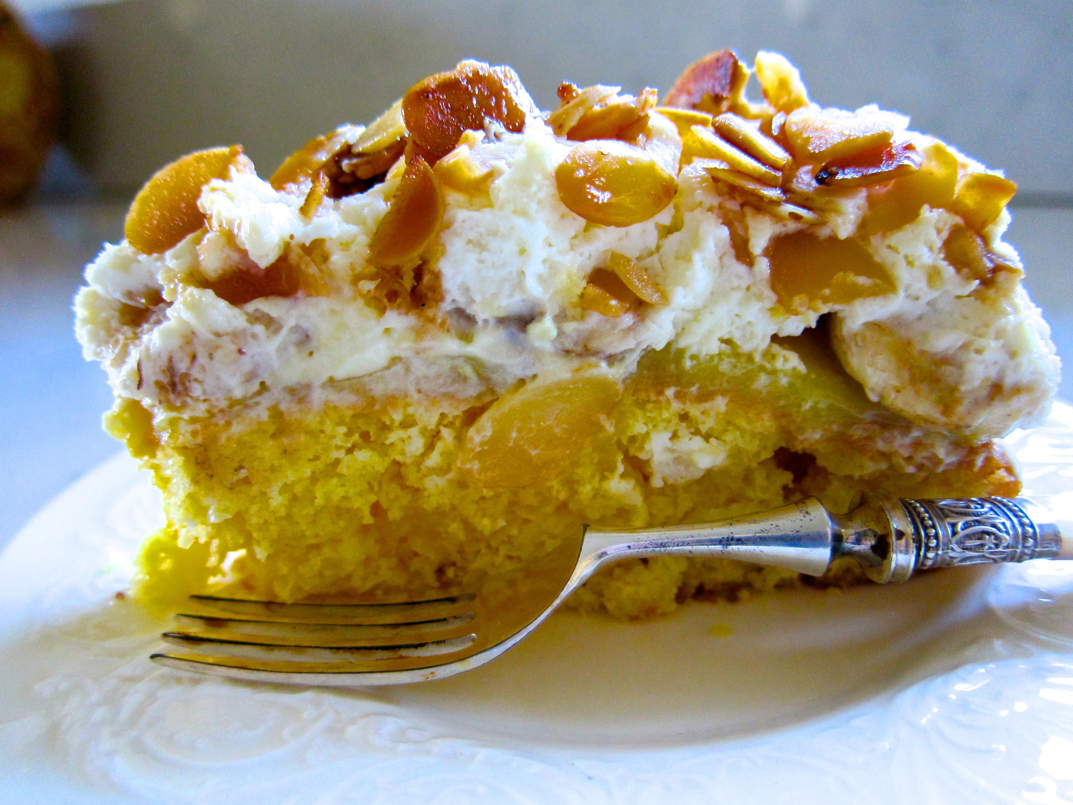 Banana Poke Cake  Banana Poke Cake