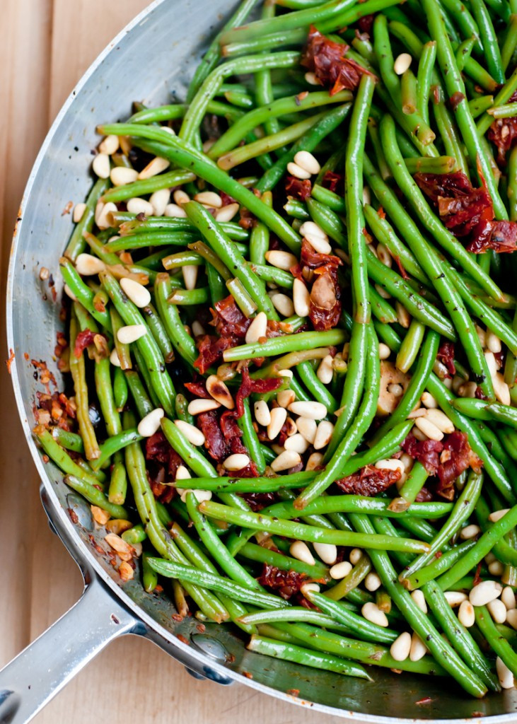 Beans Greens Tomatoes  Foo Friday – Green Beens with Olives and Sun Dried