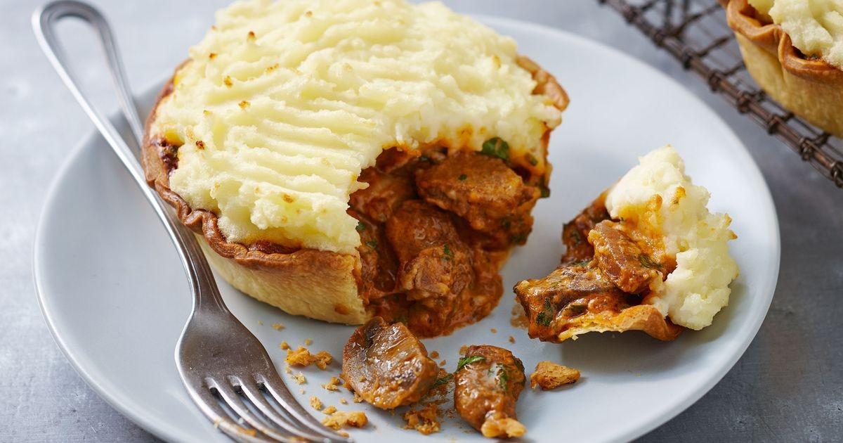 Beef Shepherd'S Pie  Beef stroganoff & potato pies