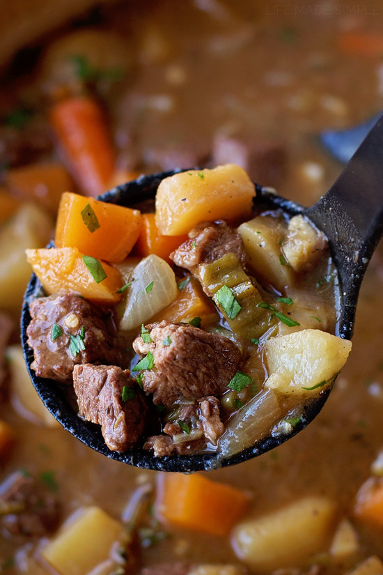 Beef Stew Pioneer Woman  pioneer woman beef stew with root ve ables