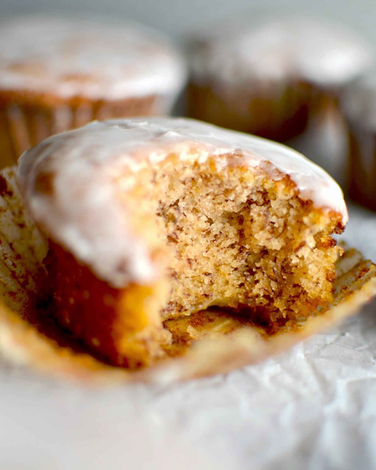 Best Banana Bread Muffins  Yammie s Noshery The Best Banana Bread Muffins Ever