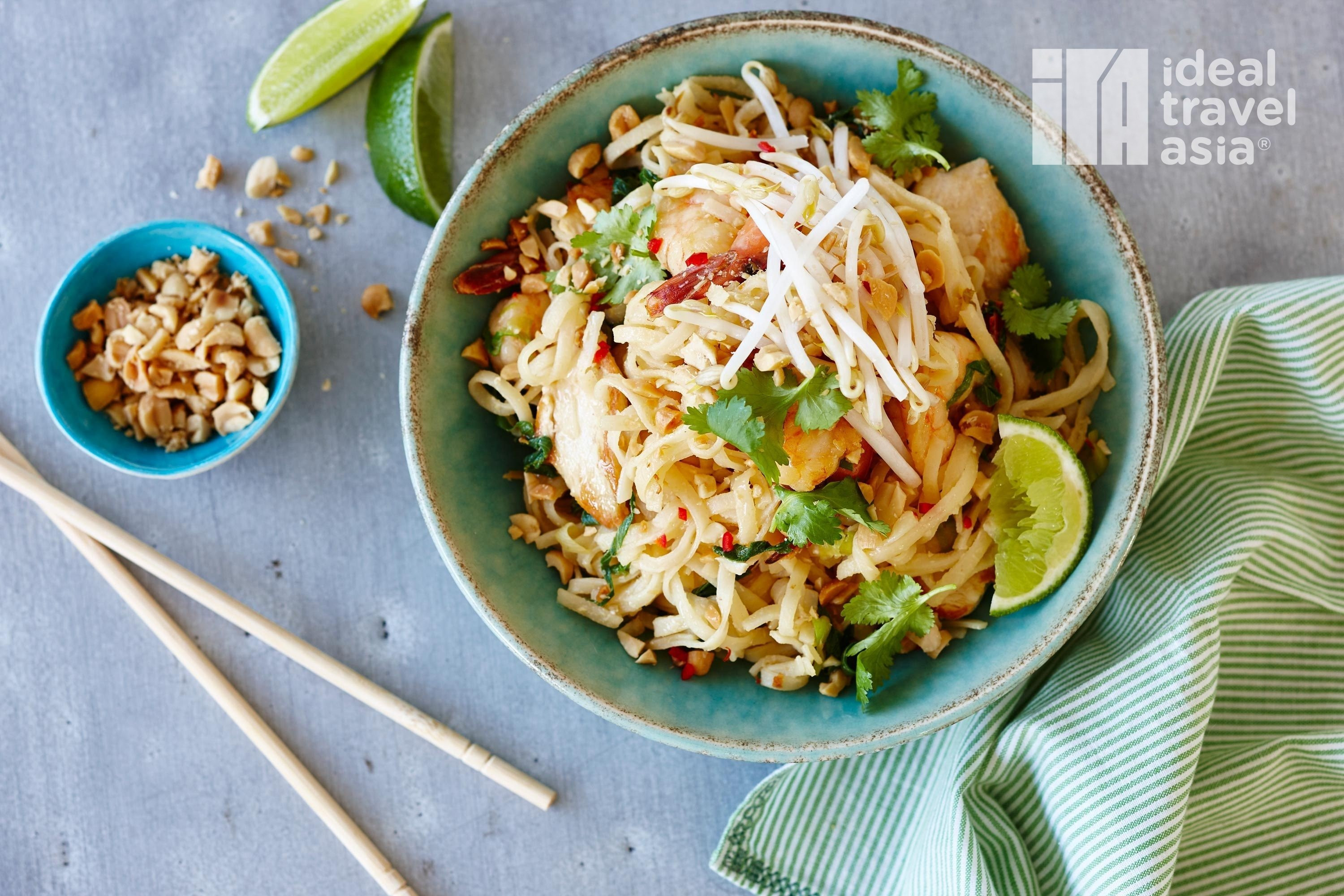 Best Pad Thai  TOP MUST TRY DISHES IN BANGKOK EN To travel is to live