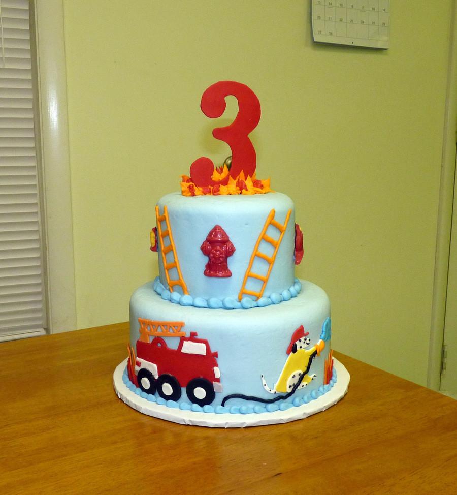Birthday Cake Fire  Firetruck Birthday Cake CakeCentral