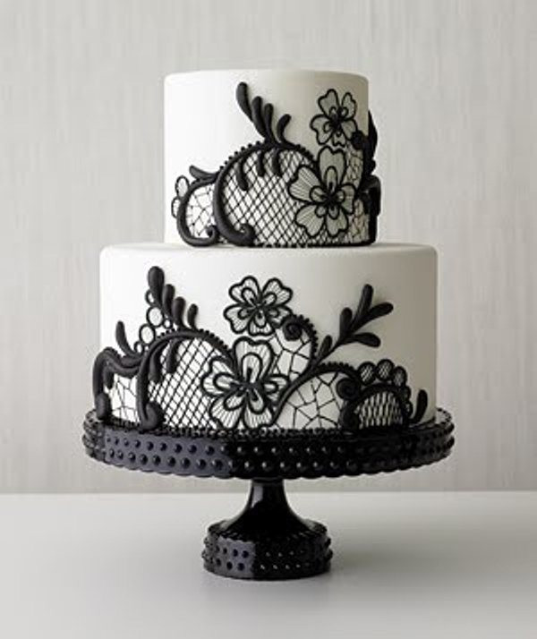 Black And White Cake  Sweet Black and White Cake with Flowers for Wedding Party