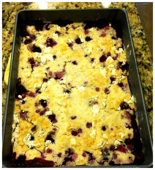 Blackberry Cobbler With Cake Mix  Easy Berry Cobbler