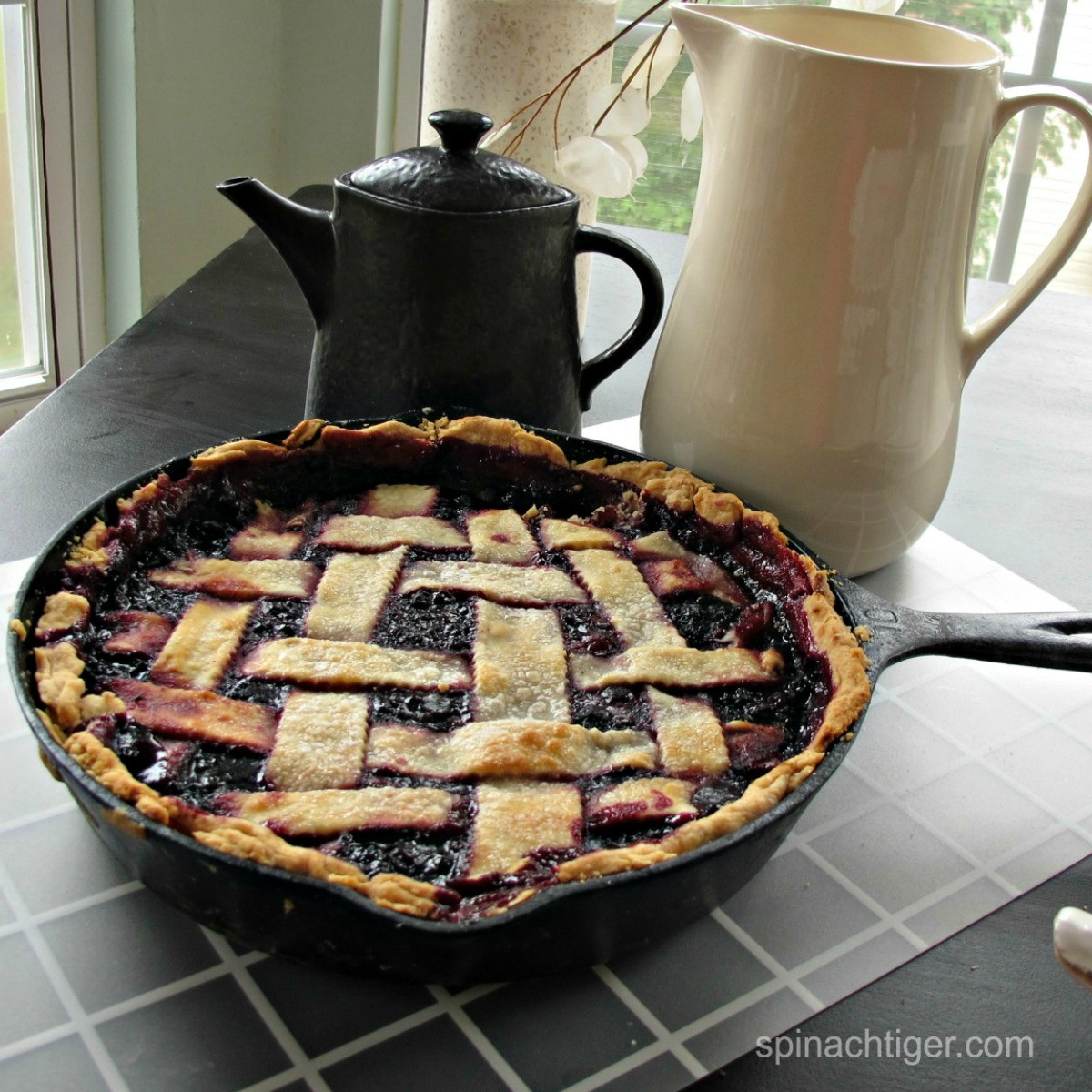 Blackberry Cobbler With Pie Crust  How to Make Blackberry Cobbler with Pie Crust in a Cast