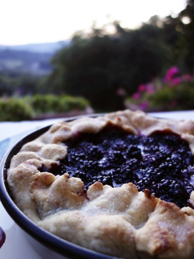 Blackberry Cobbler With Pie Crust  blackberry cobbler