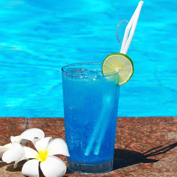 Blue Curacao Rum Drinks  15 Mind blowing Delicious Drinks Made With Blue Curacao