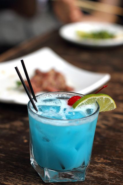 Blue Curacao Rum Drinks  17 Best ideas about Blue Hawaiian Drink on Pinterest