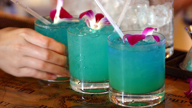 Blue Vodka Drinks  Top 5 Vodka Drink Recipes – line News and Tips