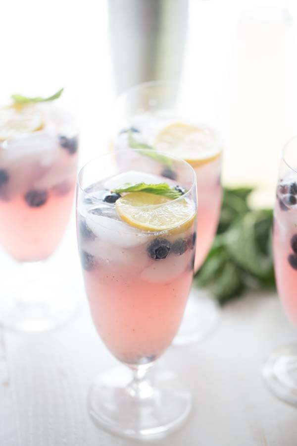 Blueberry Vodka Drinks  Blueberry Vodka Lemonade LemonsforLulu