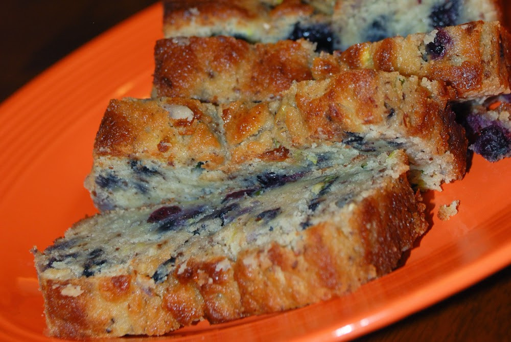 Blueberry Zucchini Bread  Whatsoever is Pure S THM Blueberry Zucchini Bread