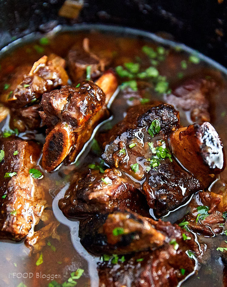 Bone In Beef Short Ribs Slow Cooker  Slow Cooker Beef Short Ribs i FOOD Blogger