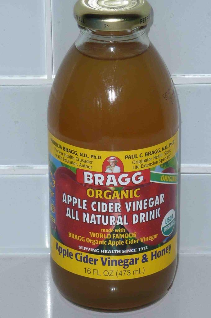 Braggs Apple Cider Vinegar Drink  I am Strangely Drawn to Bragg s Apple Cider Vinegar Drink