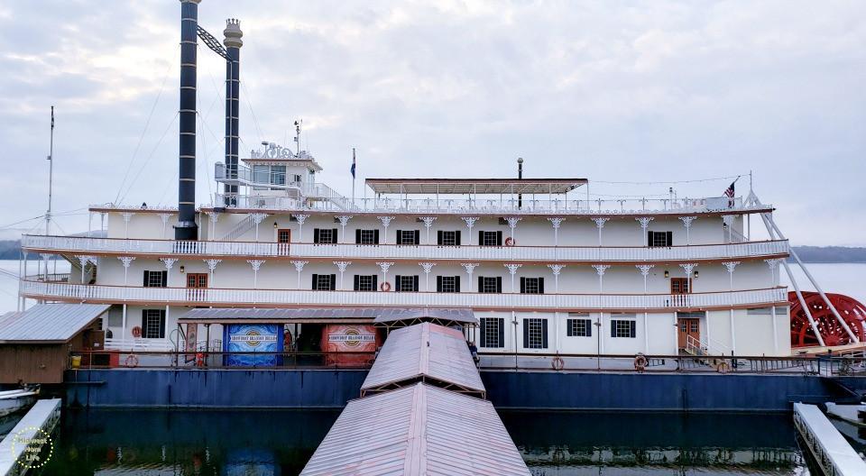 Branson Dinner Cruise  6 Things That Will Happen on the Showboat Branson Belle