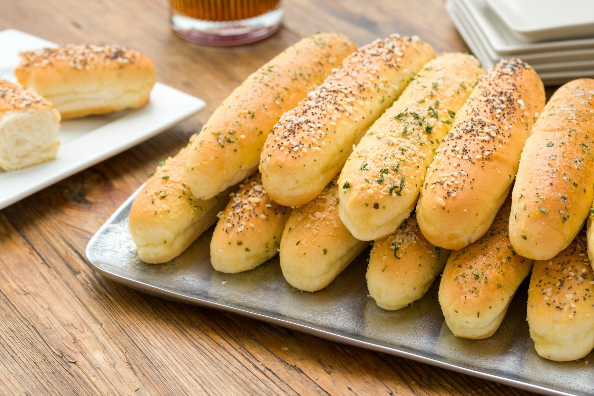 Bread Sticks Recipe  Best Ways to Top Breadsticks Sour Cream and ion