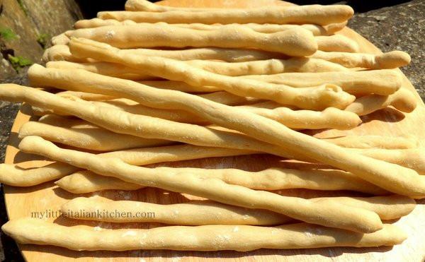Bread Sticks Recipe  Italian Breadsticks Grissini Recipe