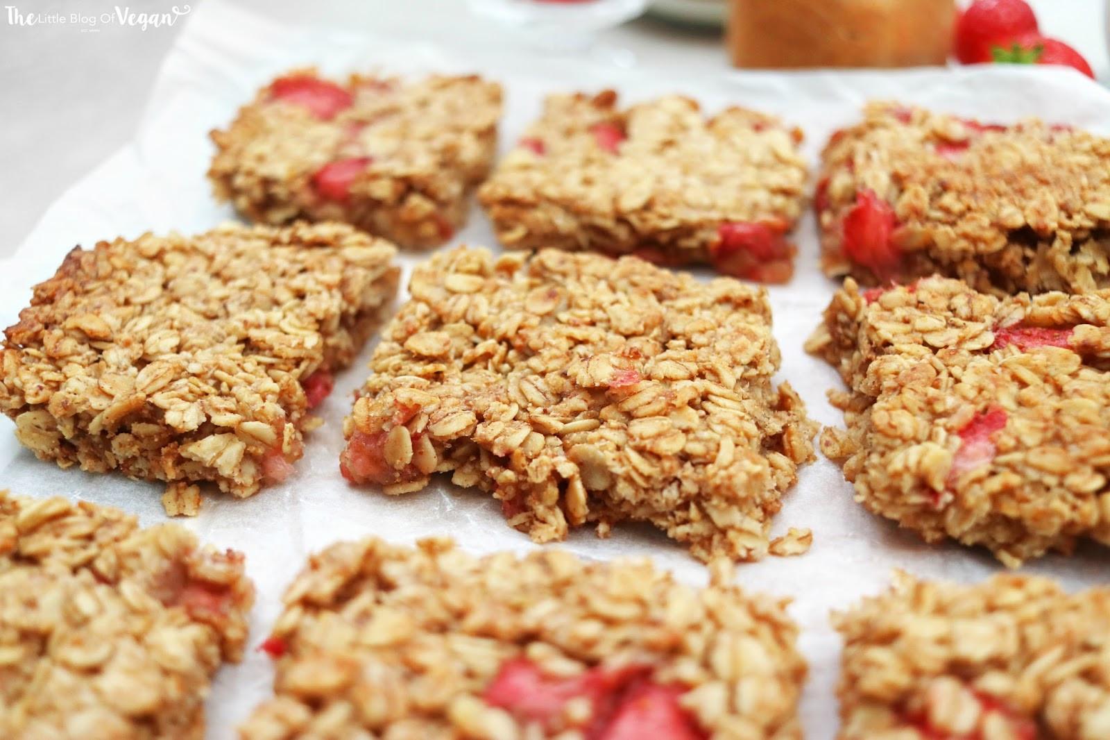 Breakfast Bar Recipes  Strawberry oat breakfast bar recipe