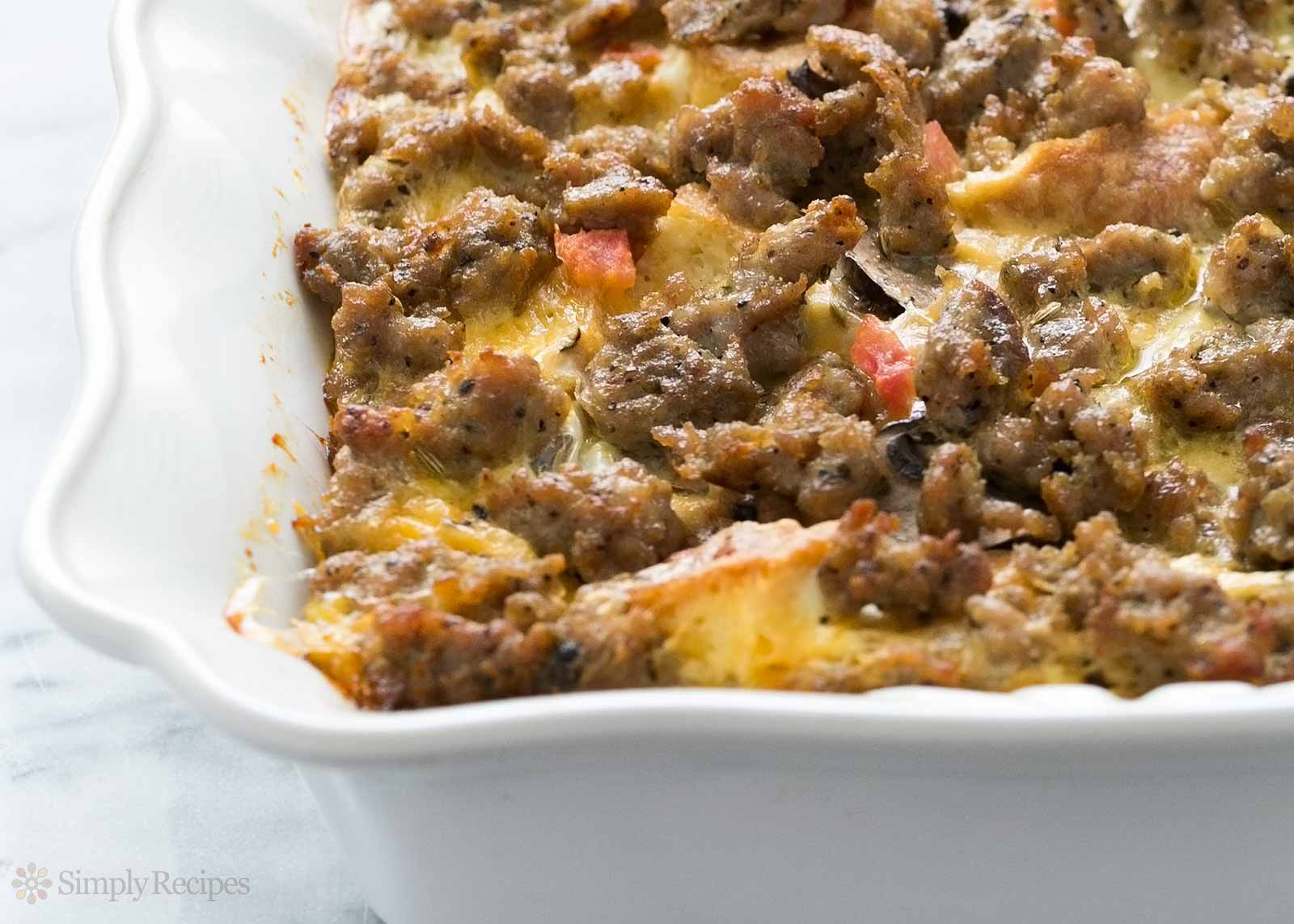 Breakfast Casserole Recipes With Sausage  Sausage Breakfast Casserole Recipe