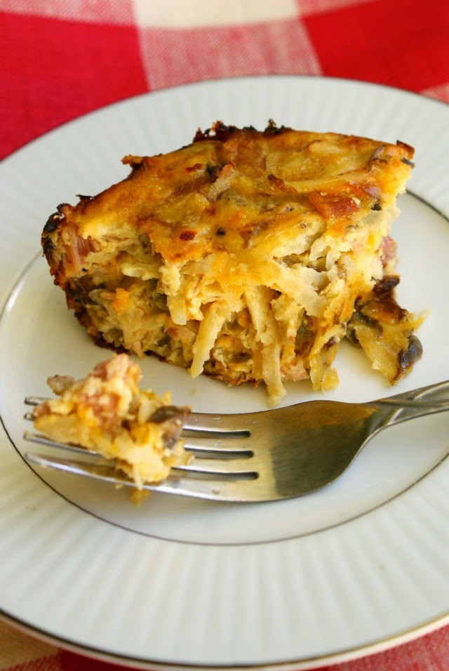 Breakfast Casserole With Ham And Potatoes And Eggs  Ham Egg and Potato Breakfast Casserole