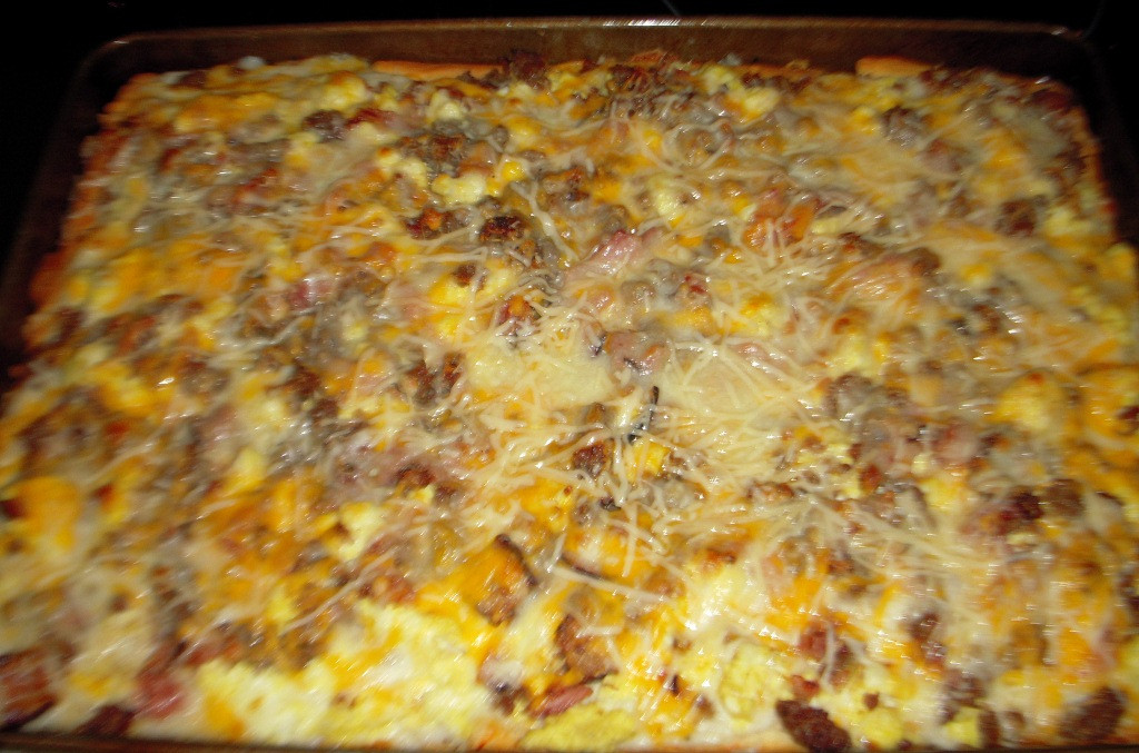 Breakfast Pizza With Gravy  Breakfast Pizza with Country Gravy Recipe FabFoo s